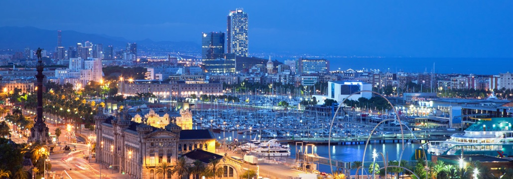 Barcelona city, enjoy sailing arround