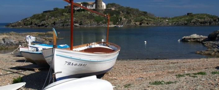 From Barcelona, sailing with our yachts, discover picturesque places of the Costa Brava to Cadaqués